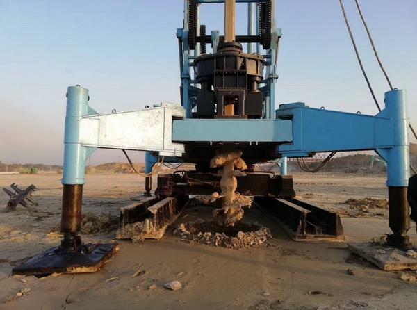 勘岩复合型桩机